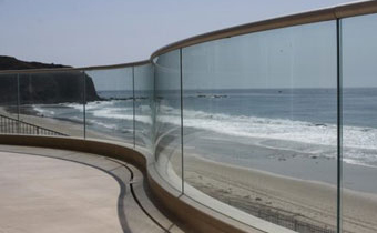 privacy-glass-fence